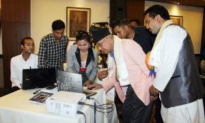 Chairman of CPN (UML) KP Sharma Oli clicks and launch Gantabyanepalnews portal during an 11the Anniversary of Gantabya Weekly held in the capital on Monday. Photo: Kumar Shrestha, RSS
