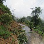 दार्चुला-तिङ्कर सडकको राताकाठामा पहिरो खस्दा एक जनाको मृत्यु