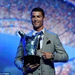 अाखिर रोनाल्डो नै बने युएफा वर्ष खेलाडी