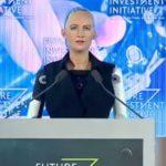साउदीले विश्वमै पहिलो पटक दियो कृत्रिम मानव(रोबोट)लाई नागरिकता ( भिडियो सहित)