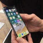 सिड्नीको एप्पल स्टोरमा अाइफोन १० किन्नेको लर्को, ३ दिन देखि लाइनमा ( फोटो सहित )