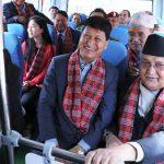 साझाले ल्यायो विद्युतीय बस,काठमाडौंका मेयरसँग प्रधानमन्त्रीको सिंहदरबार यात्रा  !
