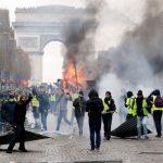 पेट्रोलिम पदार्थको मूल्यवृद्धिविरुद्ध फ्रान्समा प्रदर्शन