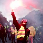 हिंस्रक प्रदर्शन हुन थालेपछि फ्रान्सेली सरकारले 'आपतकालिन अवस्था' लगाउने संकेत