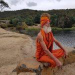 मानव कल्याण लागि क्रिसियनवाट हिन्दु बनेका गोरा साधु 'स्वामी हनुमान'को संघर्षको मार्मिक कहानी (फोटोफिचर)