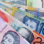 अष्ट्रेलियन डलर सस्तियो, एक डलरबराबर ८४ रूपैयाँ ९८ पैसा